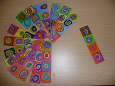 Marque page Kandinsky - si facile à faire avec des enfants. Je crois que je vais offrir ça aux maîtresses cette année avec un petit roman dans un kit vacances!