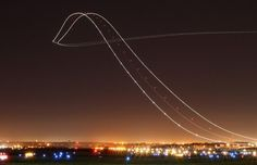 Long exposure of a Boeing 757 taking off - Imgur