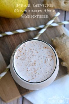 This Pear Ginger Cinnamon Oat Smoothie