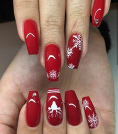 Red holiday nails