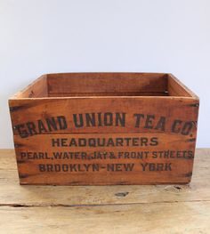 GRAND UNION TEA CO. Wood Box, USA, c.1930s