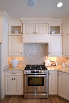 Gas stove with tile backsplash