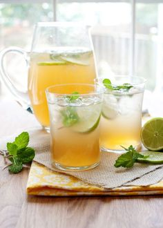 Mint Lime Tea Cooler - Baked Bree- cup sugar cup water 1 cup mint leaves 6 Tazo Cucumber White tea bags (or any white tea) cup freshly squeezed lime juice sparkling water Refreshing Drinks, Summer Drinks, Fun Drinks, Healthy Drinks, Beverages, Drink Me, Food And Drink, Lime Tea, Kombucha Tea
