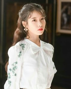 Hotel Del Luna IU Fashion - White Flower Embroidered Blouse <br> Find Hotel Del Luna Clothes, IU Fashion, KPOP Shirts & KPOP Blouses for an affordable price Korean Beauty, Asian Beauty, Korean Girl, Asian Girl, Korean Style, Luna Fashion, Kpop Shirts, Korean Blouse, Vintage Stil
