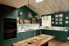A traditional green, marble and brass kitchen - desire to inspire - desiretoinspire.net - deVol