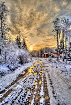🇨🇦 Winter sunrise on a remote ranch (Cariboo, BC) by Skye Ryan-Evans ❄️🌅 Scenic Photography, Image Photography, Landscape Photography, Nature Photography, Sunrise Farm, Shed Landscaping, Sunrise Images, Farm Shed, Country Scenes