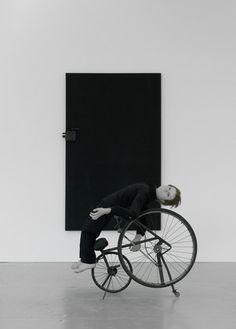 Tadeusz Kantor - installation and performance - The Dead Class Samuel Beckett, Exhibition Display, Set Design, Installation Art, Great Artists, Contemporary Art, Sculptures, Art Gallery, Museum