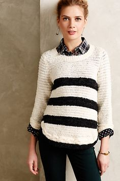 Fashion: trends, outfit ideas, what to wear, fashion news and runway looks Simple Outfits, Fall Outfits, Pullover Outfit, Jeans For Sale, Sweater Outfits, Sweater Weather, Modest Fashion, Fashion News, Fall Fashion
