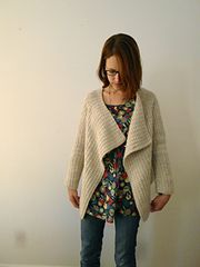 Ravelry: Teddywidder pattern by Katie Schumm. I like this. A lot!