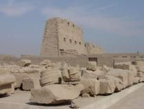 Busreise / Tour / Ausflug von Hurghada nach Luxor 2 Tage Busreise / Tour / Ausflug von Hurghada nach Luxor 2 Tage, Besichtigen Sie die Sehenswürdigkeiten in Luxor: Terrassentempel von Königin Hatschepsut. Karnak Tempel , Memnon Kolosse und Luxor Tempel.,,, http://sharm-el-sheikh-reisen.com/page.show.php?id=13