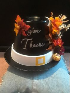 37 Simple DIY Thanksgiving Centerpiece Ideas to Decoration Up Your Dinner Table - Thanksgiving Flowers, Thanksgiving Centerpieces, Thanksgiving Crafts, Fall Crafts, Holiday Crafts, Thanksgiving Blessings, Thanksgiving Table, Flower Pot Art, Flower Pot Crafts
