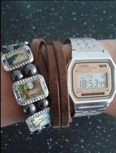Combineer je retro horloge met armbanden voor een trendy effect!