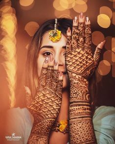 Mehndi designs for the bride Looking for hena artists for your wedding? Mehendi Photography, Indian Wedding Photography Poses, Girl Photography Poses, Nature Photography, Wedding Mehndi Designs, Best Mehndi Designs, Mehandi Designs, Indian Wedding Mehndi, Bridal Henna