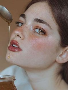 63 Ideas for photography portrait creative makeup Portrait Inspiration, Makeup Inspiration, Creative Photography, Portrait Photography, Conceptual Photography, Sport Photography, Makeup Photography, Portrait Shots, Photography Projects