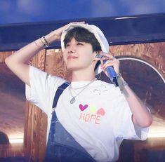 jhope cute Jhope//cute//hope//in my world//hopewor - proksim J Hope Selca, Bts J Hope, Jimin, Hoseok Bts, Foto Bts, Seokjin, Jhope Cute, Bts Aesthetic Pictures, Wattpad