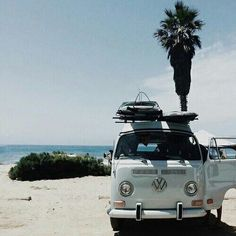 Bus beach and boards what more is there travel roadtrip volkswagen surfsup wanderlust adventure viagem a havana Fashion Truck, Beach House Style, Vw Minibus, Vw Camping, Camping Ideas, Glamping, Beach Bum, Summer Beach, Beach Road