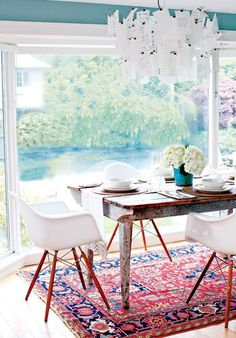 A rug under the dining table #30DaysofInspiration