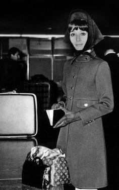 La actriz Audrey Hepburn, para la que la casa Louis Vuitton editó un tamaño especial del modelo Speedy