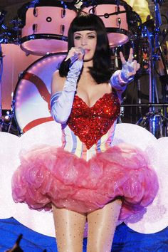 Katy Perry Continues her California Dreams Tour in Milan