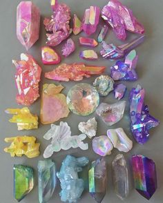 Enter the metaphysical world of crystals and gemstones, and learn how you can benefit from crystal healing, and use them in your daily life. Crystal Magic, Crystal Healing, Quartz Crystal, Crystals And Gemstones, Stones And Crystals, Gem Stones, Crystal Aesthetic, Rocks And Gems, Crystal Collection