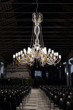 745 - Chandelier in metal with white finish, honey krek glass pendants and chains of Swarovski Elements. Design Italamp Studio.