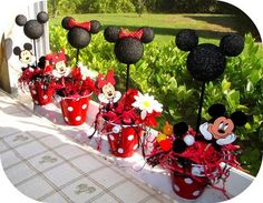Mickey Mouse e Minnie Mouse Mickey Mouse Birthday Decorations, Mickey Mouse Bday, Theme Mickey, Mickey Mouse Clubhouse Birthday, Mickey Mouse Parties, Mickey Birthday, Mickey Party, Birthday Ideas, Elmo Party