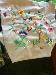 Table Runner Pattern, Stitch Book, Table Runners, Hand Embroidery, Tableware, Free, Beauty, Vintage, Women's Fashion