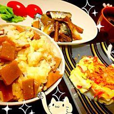 今日はヘルシー晩御飯☆ 竹の子ご飯、お味噌汁、秋刀魚とゴボウの生姜煮、お豆腐料理(^O^) お豆腐の一番好きな食べ方のおおざっぱなレシピ載せました。笑 - 33件のもぐもぐ - 晩御飯 by にゃる