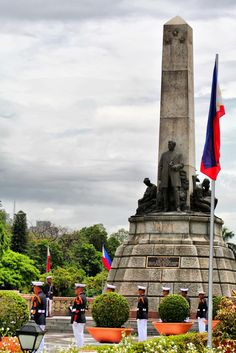 Rizal Monument: Honoring the National Hero of the Philippines Philippines Cities, Philippines Culture, Manila Philippines, Beautiful Islands, Beautiful Places, Rizal Park, Philippine Map, Jose Rizal, Down South