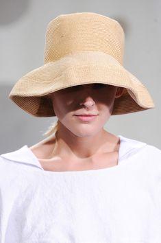 Daniela Gregis at Milan Fashion Week Spring 2014 - Livingly Runway Fashion, Fashion Outfits, Milan Fashion, Style Fashion, Runway Hair, Inspiration Mode, Travel Inspiration, Spring Summer, Spring 2014