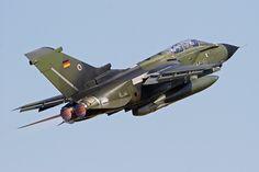https://flic.kr/p/N5Ds1f | Tornado IDS 4567 | German Air Force Tornado departs Waddington after the 2006 Air Show. 03/07/2006.