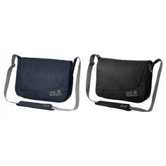 De Surry Hill is een grote #schoudertas van @jackwolfskin. De tas heeft een speciaal gevoerd vak voor het meenemen van een laptop.