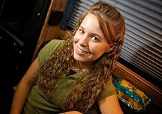 Jana Duggar: Not Allowed to Date, Forced to Stay Home and Take Care of Her Siblings?