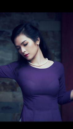 Beautiful Vietnamese Women, Beautiful Asian Women, Korean Beauty Girls, Asian Beauty, Ao Dai, Vietnamese Traditional Dress, Vietnam Girl, Sexy Wedding Dresses, Beautiful Bollywood Actress
