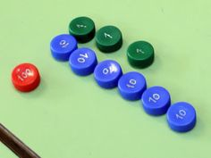 Bouchons pour remplacer les timbres Montessori (Reciclando en la escuela)