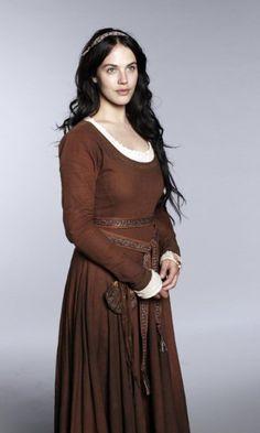 Jessica Brown-Findlay - Alais de La Courcel **