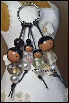 doll face painting Key chain dolls beads wood glass and acrylic Metis family theme. Can also be used in jewelry bag. Wooden beads are painted and varnished by hand. Wood Peg Dolls, Clothespin Dolls, Doll Face Paint, Tilda Toy, Tiny Dolls, Diy Schmuck, Kokeshi Dolls, Bead Crafts, How To Make Beads