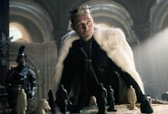 Check out more than 40 new stills from director Guy Ritchie's upcoming King Arthur movie. Charlie Hunnam headlines King Arthur: Legend of the Sword. King Arthur 2017, King Arthur Movie, Rei Arthur, King Arthur Legend, The Sword, Jude Law, Guy Ritchie Movies, Excalibur, Cinema Secrets
