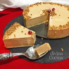tarta de turron sin horno Delicious Desserts, Dessert Recipes, Yule Log, Sweet Pie, Toffee, Coco, New Recipes, Cupcake Cakes, Catering