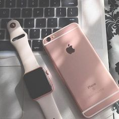 The latest apple watch provides plenty of cutting-edge benefits. This smart watch is simply all one will ever require for your daily life Iphone 7, Apple Iphone, Iphone Cases, Coque Smartphone, Rose Gold Apple Watch, Apple Brand, Accessoires Iphone, Mac Mini, Rose Gold Watches