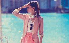 Go behind-the-scenes on Cosmo UK's fashion shoot in Miami