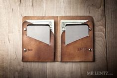 mens-leather-wallet-minimal-bifold_brown-0049