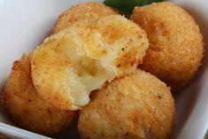 Fűszeres rántott sajtgolyó Cornbread, Vegetarian, Yummy Food, Lunch, Healthy Recipes, Cheese, Dinner, Breakfast, Ethnic Recipes