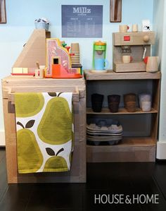 I've made several fun toys and activities for kids using cardboard, egg carton and shoe boxes but nothing like these amazing projects. You'll be blown away by these # things to make using a cardboard box, cardboard tube, egg cartons and shoe boxes. Cardboard Toys, Cardboard Furniture, Diy Furniture, Cardboard Kitchen, Furniture Design, Cardboard Playhouse, Cardboard City, Cardboard Design, Fireplace Furniture