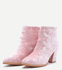 Pink velvet. Cute Shoes, Me Too Shoes, Glass Slipper, Pink Fashion, Beautiful Shoes, Chunky Heels, Shoe Boots, Pink Velvet, Footwear