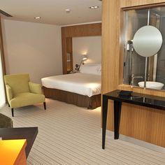 """¡Aprovecha nuestra promoción """"Quédate una noche más""""! Podrás conseguir un 10% de descuento en cualquiera de nuestros hoteles al reservar dos noches o más."""