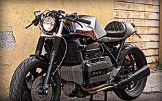 Bmw K100 Oxblood by Cafe Twin   Finalmente qualcosa di leggermente diverso dalle solite BMW serie Kappa che ormai imperversano il web...