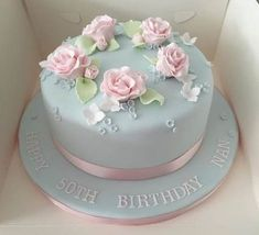 Kuchen You are in the right place about pretty Birthday Cake Here we offer you the most beautiful pictures about the Birthday Cake you are looking for. When you examine the Kuchen part of the pic 90th Birthday Cakes, Birthday Cake For Mom, Birthday Cake With Flowers, Pretty Birthday Cakes, Birthday Cakes For Women, Birthday Cupcakes, Pretty Cakes, Beautiful Cakes, Flower Birthday