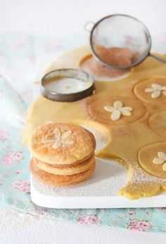 Cinnamon Pansy Shells with NoMU Cinnamon Cookies, Cinnamon Almonds, Yummy Cookies, Baking Recipes, Dessert Recipes, Desserts, Stuffed Shells Recipe, Galletas Cookies, Good Enough To Eat