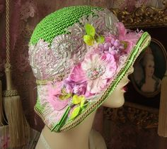 1920'S VINTAGE STYLE GATSBY GREEN & PINK & SILVER EMBROIDERED CLOCHE…